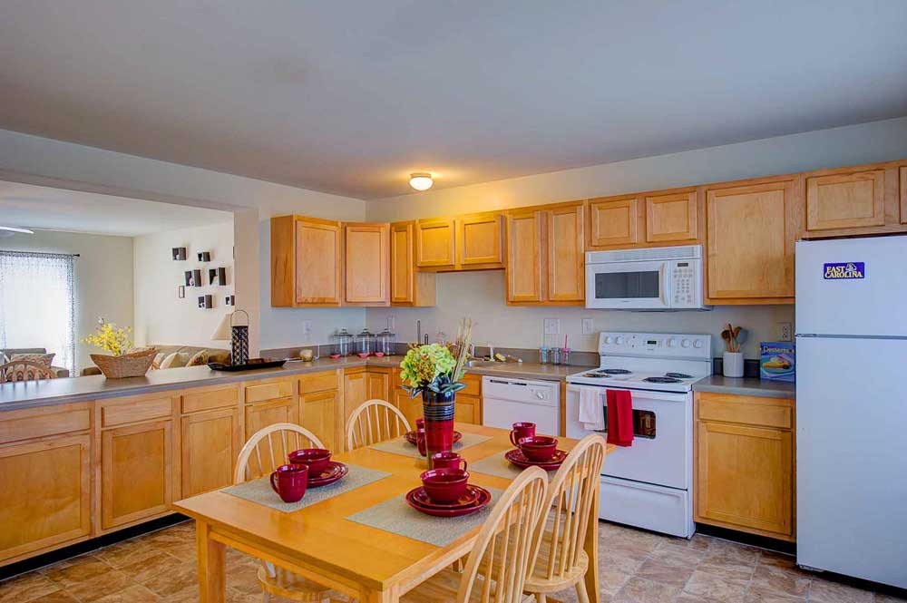 Copper-Beech-Townhomes-Greenville-Kitchen-Unilodgers