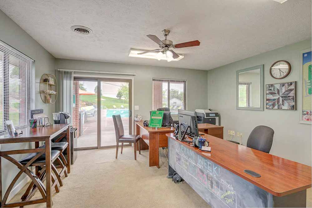 Copper-Beech-Townhomes-Radford-VR-Study-Space-Unilodgers