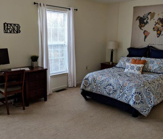 CopperBeechTownhomes-Aaron-StateCollege-PA-BedRoom-Room-Unilodgers
