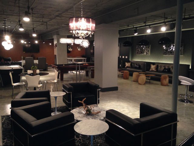 Coronado-Place-And-Towers-St-Louis-MO-Social-Space-1-Unilodgers