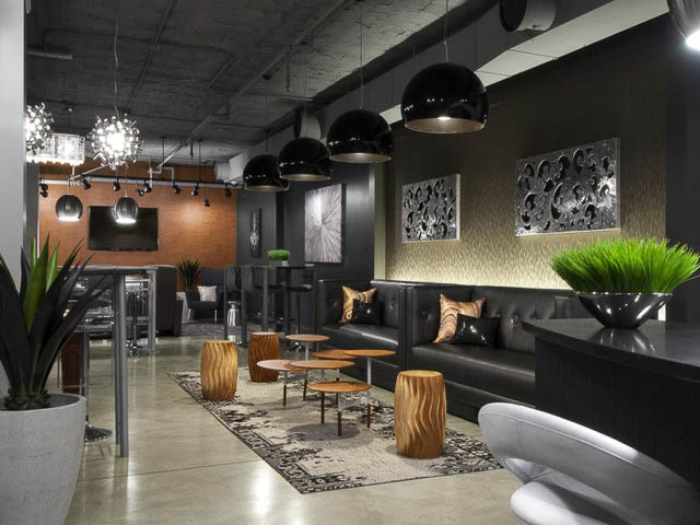 Coronado-Place-And-Towers-St-Louis-MO-Social-Space-Unilodgers