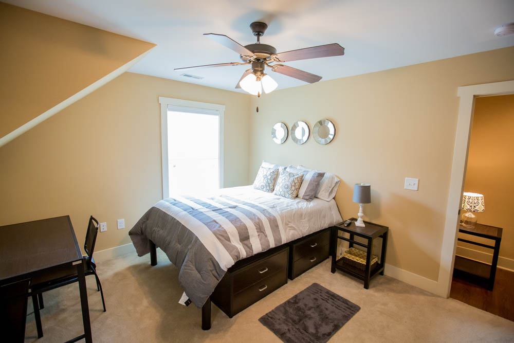 Cottages-of-Clemson-Central-SC-Bedroom-With-Study-Desk-And-Chair-Unilodgers