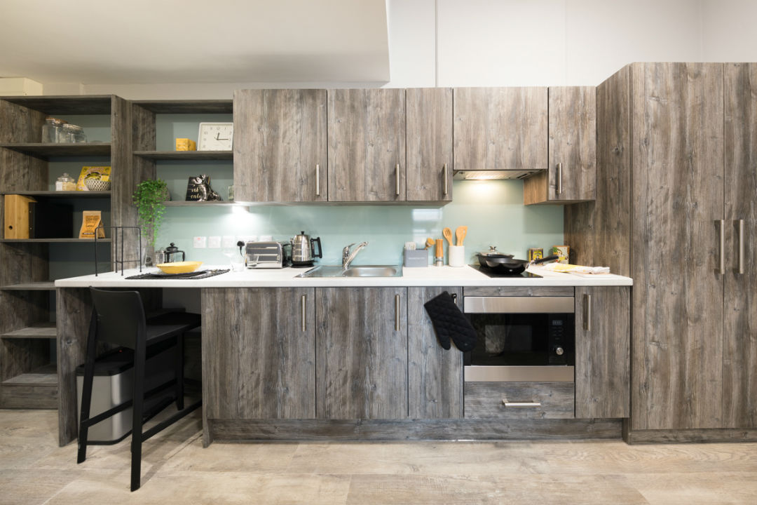 Crown-Place-Portsmouth-Kitchen-2-Unilodgers
