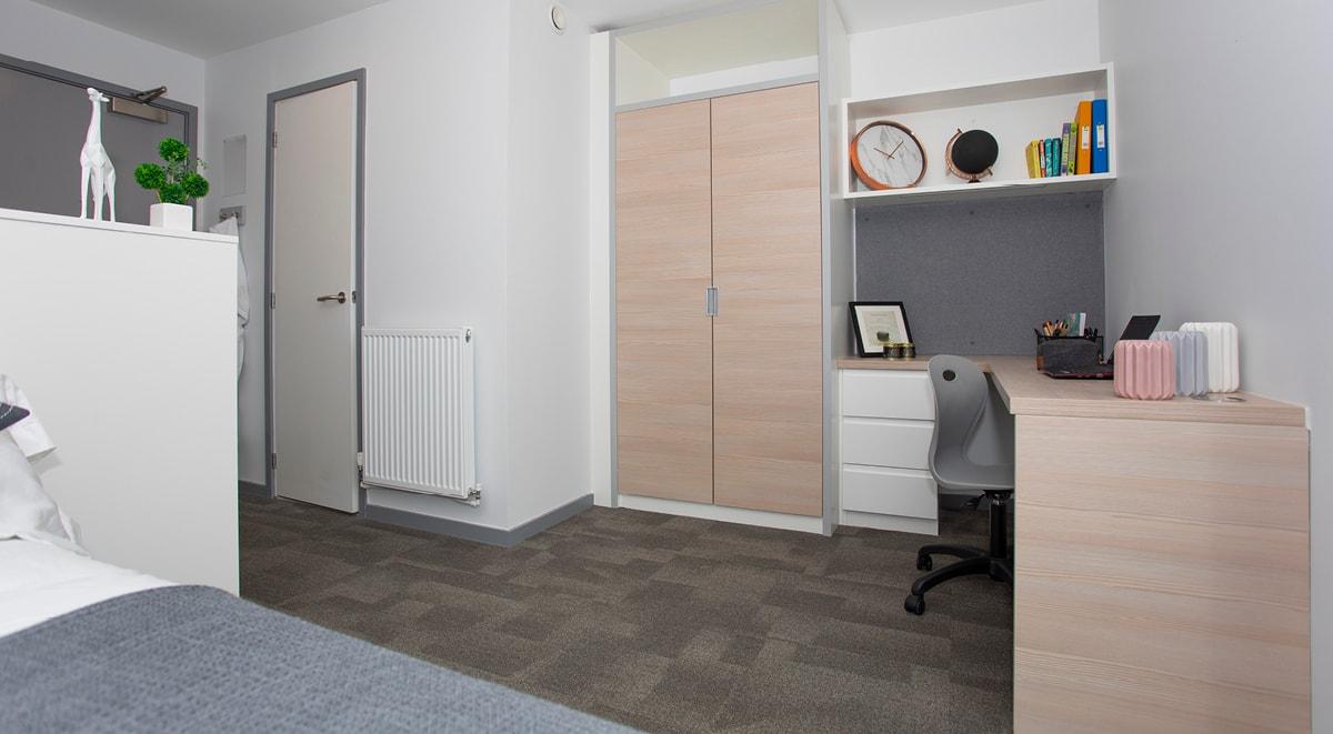 Duresme-Court-Durham-Classic-Plus-Room5-Unilodgers