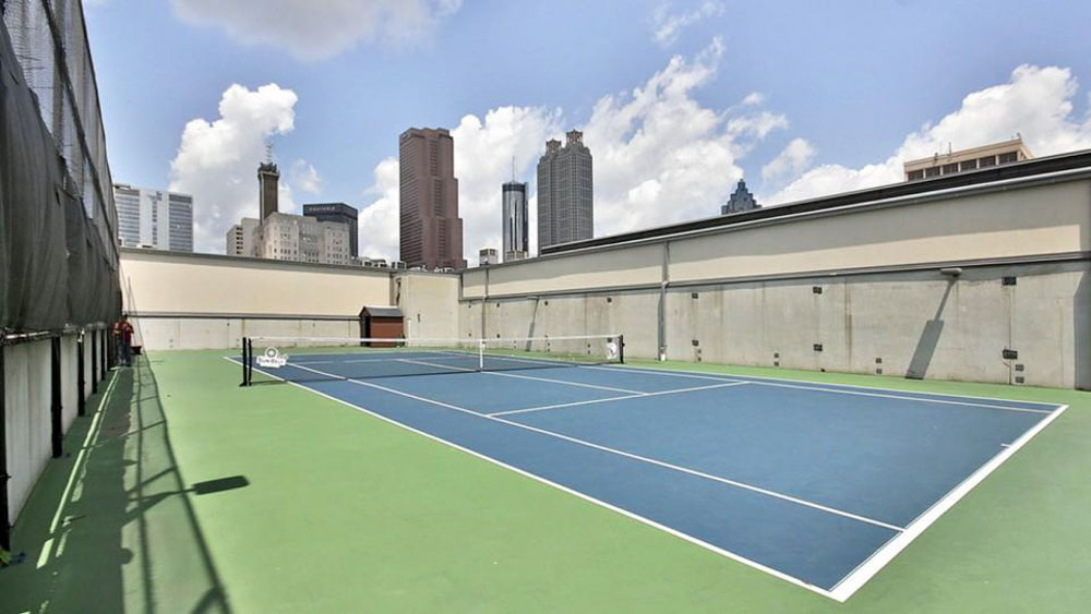 Dwell-ATL-Luxury-Apartments-Atlanta-GA-Tennis-Court-Unilodgers