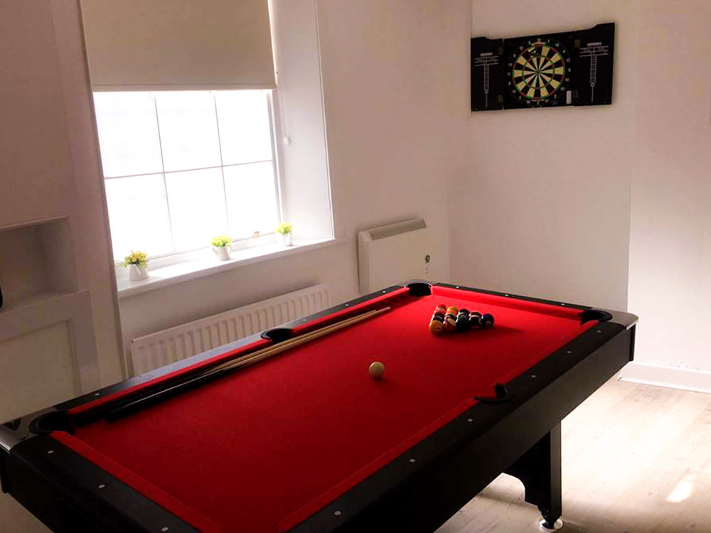 Dwell-Garth-Heads-New-Castle-Pool-Table-Unilodgers
