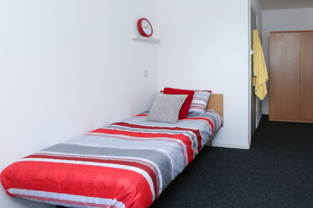 Dwell-Manchester-Student-Village-Manchester-Bedroom-2-Unilodgers