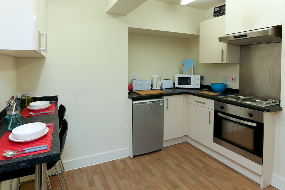 Dwell-Manchester-Student-Village-Manchester-Kitchen-2-Unilodgers