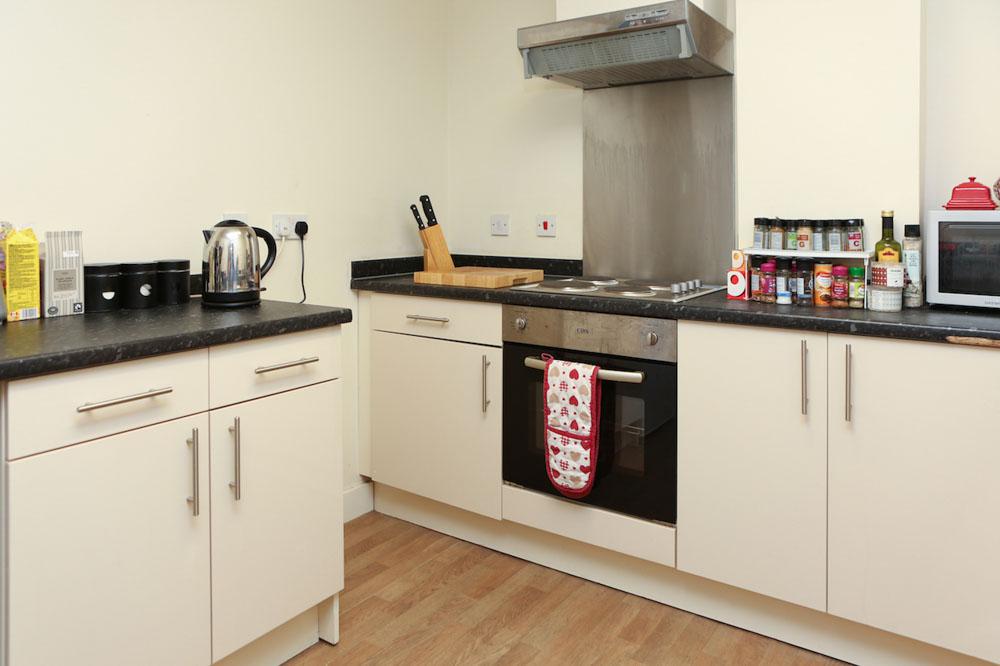 Dwell-Manchester-Student-Village-Manchester-Kitchen-Unilodgers