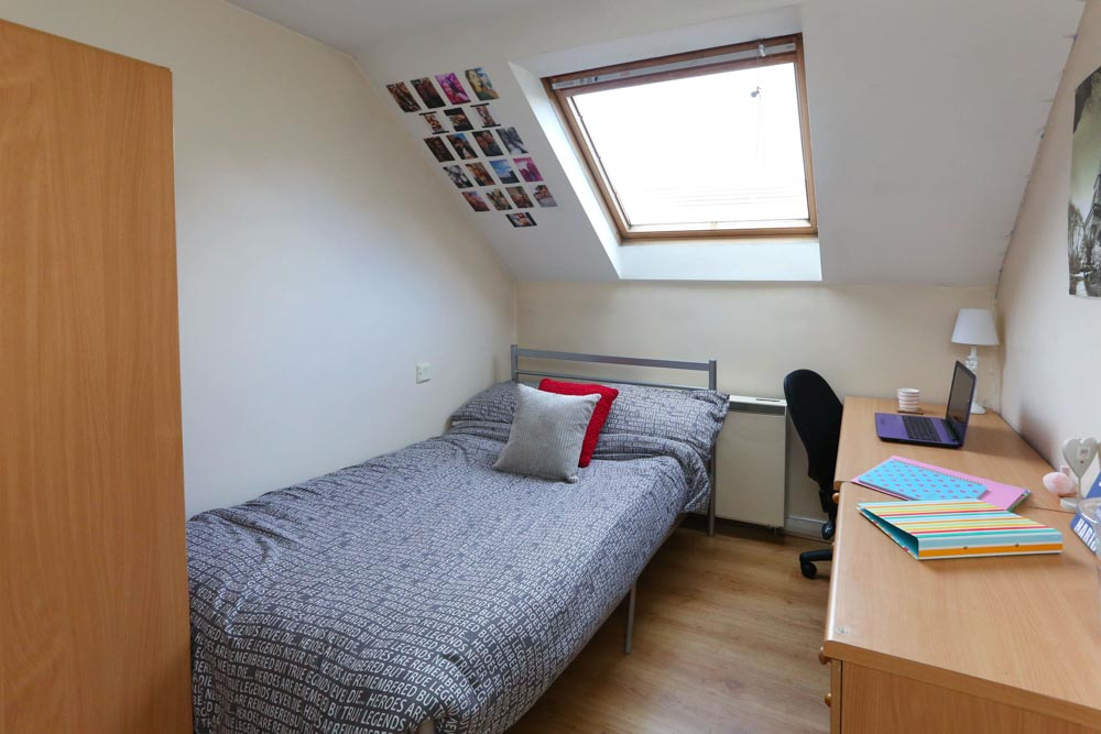 Dwell-Weston-Court-Manchester-Bedroom-2-Unilodgers