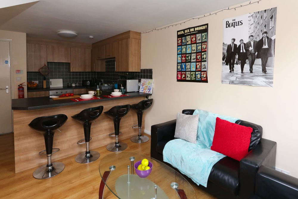 Dwell-Weston-Court-Manchester-Kitchen-With-Living-Area-Unilodgers