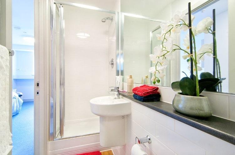 Earlsdon-Street-Portsmouth-En-Suite-Bathroom-Unilodgers