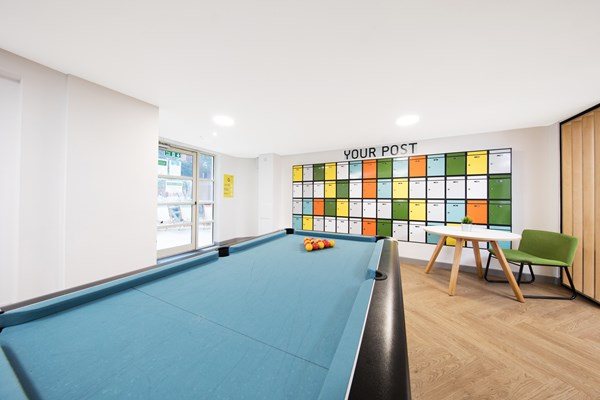East-Central-House-London-Pool-Table-Unilodgers