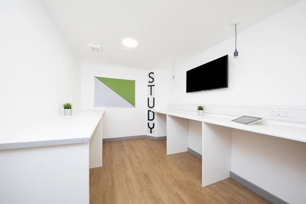 East-Central-House-London-Study-Room-Unilodgers