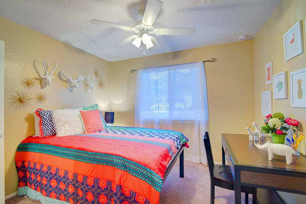 Elevation-On-Post-San-Marcos-TX-Bedroom-Unilodgers