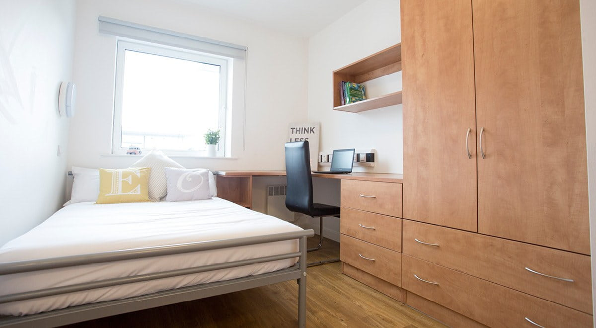 Exeter-One-Exeter-Classic-EnSuite-Bedroom-Unilodgers