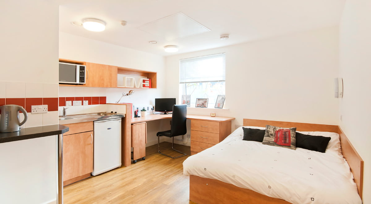 Exeter-One-Exeter-Deluxe-Studio-Bedroom-Unilodgers
