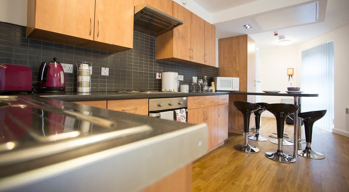 Exeter-One-Exeter-Shared-Kitchen-1-Unilodgers