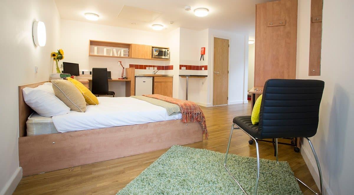 Exeter-One-Exeter-Super-Deluxe-Studio-Bedroom-Unilodgers