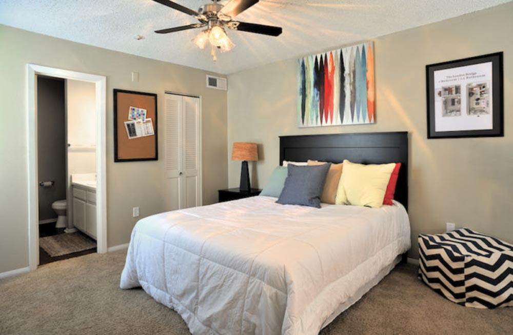 Fairway-View-Baton-Rouge-LA-Bedroom-Unilodgers