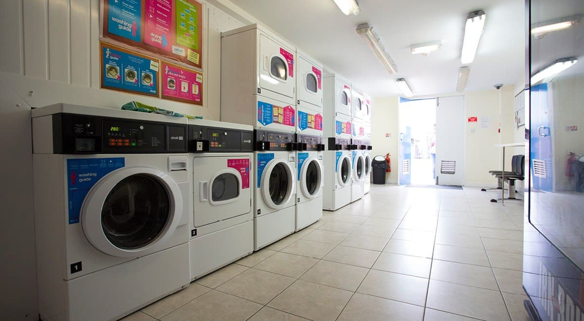 Firhill-Court-Glasgow-Laundry-Room-Unilodgers