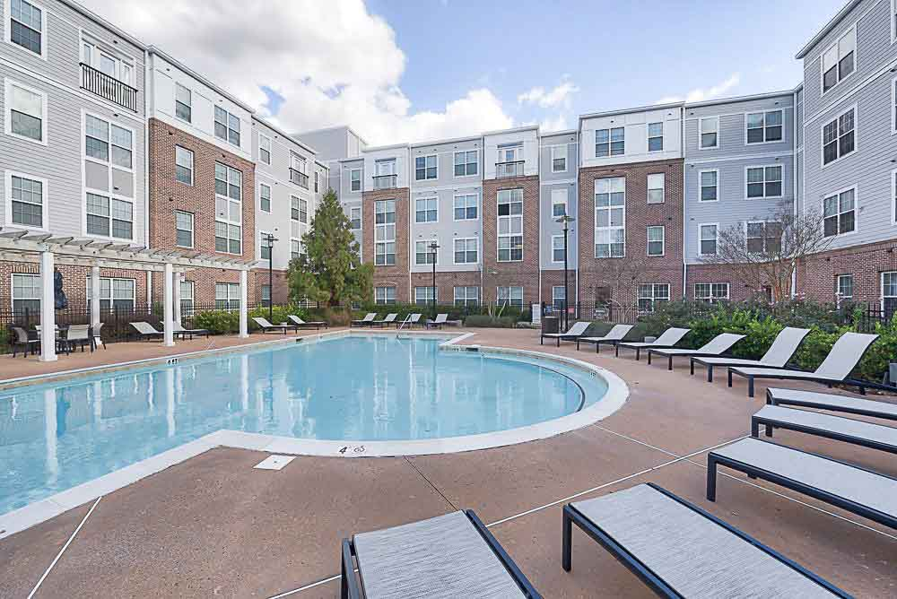 First-Street-Place-At-Greenville-NC-Swimming-Pool-Unilodgers