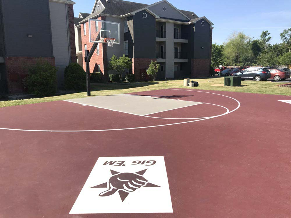 Gateway-At-College-Station-TX-Basketball-Court-Unilodgers