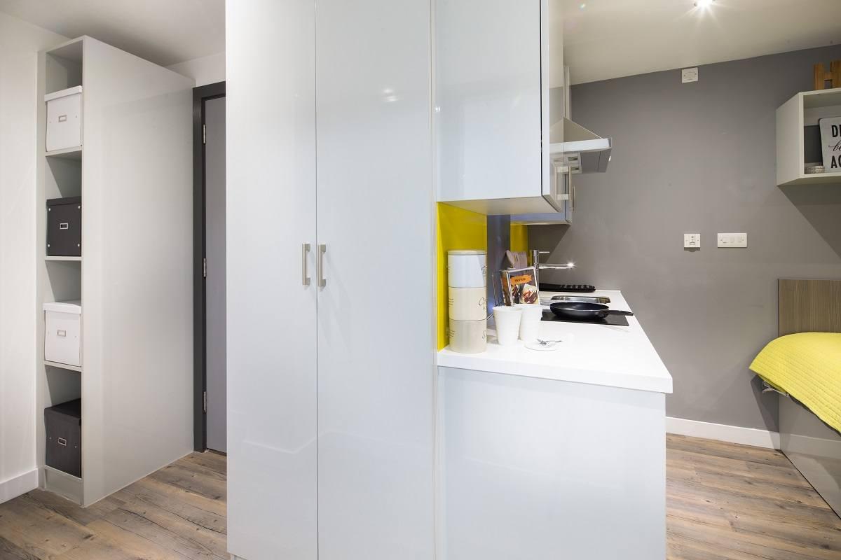 Glendower-House-Cardiff-Kitchen-2-Unilodgers