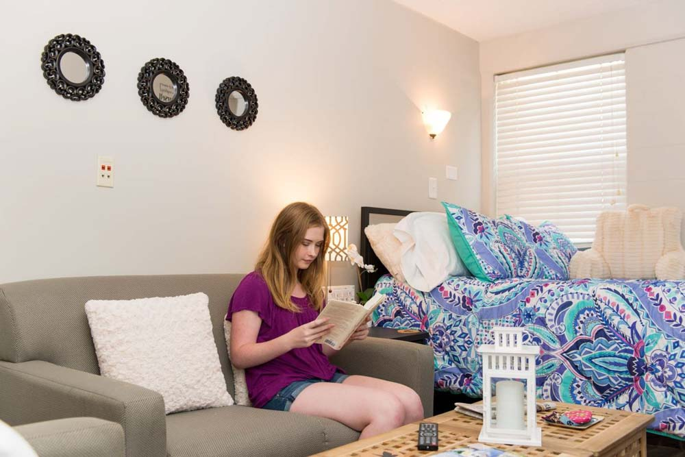 Granville-Towers-Chapel-Hill-NC-Bedroom-Unilodgers
