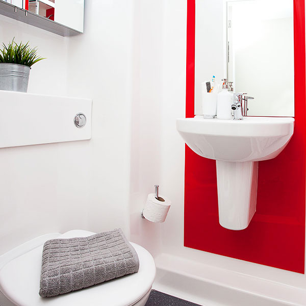 Greetham-Street-Portsmouth-Bathroom-Unilodgers