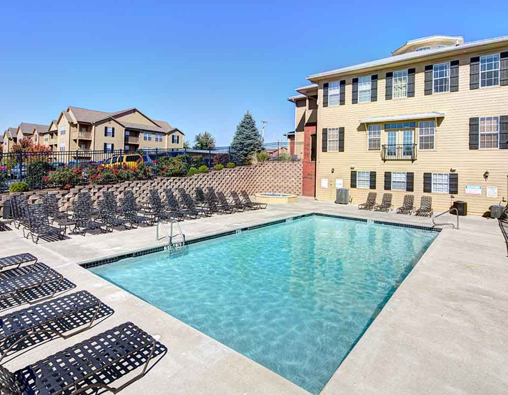 Grindstone Canyon-Columbia-MO-Swimming Pool-Unilodgers