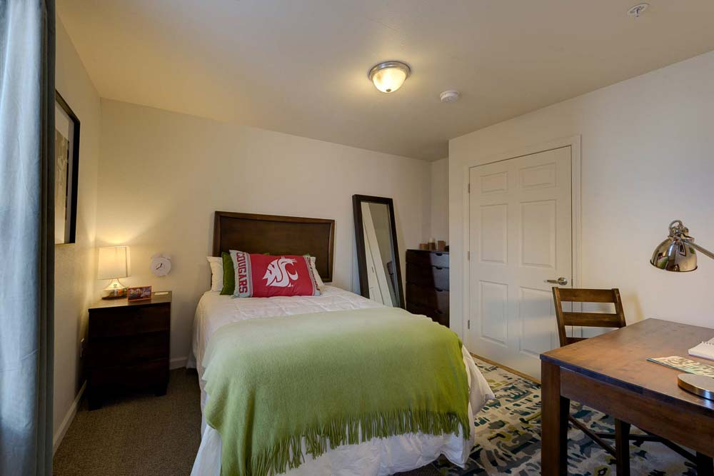 Grove-At-Pullman-WA-Bedroom-Unilodgers