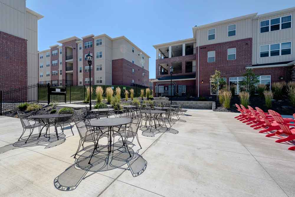 Grove-At-Pullman-WA-Outdoor-Courtyard-Unilodgers