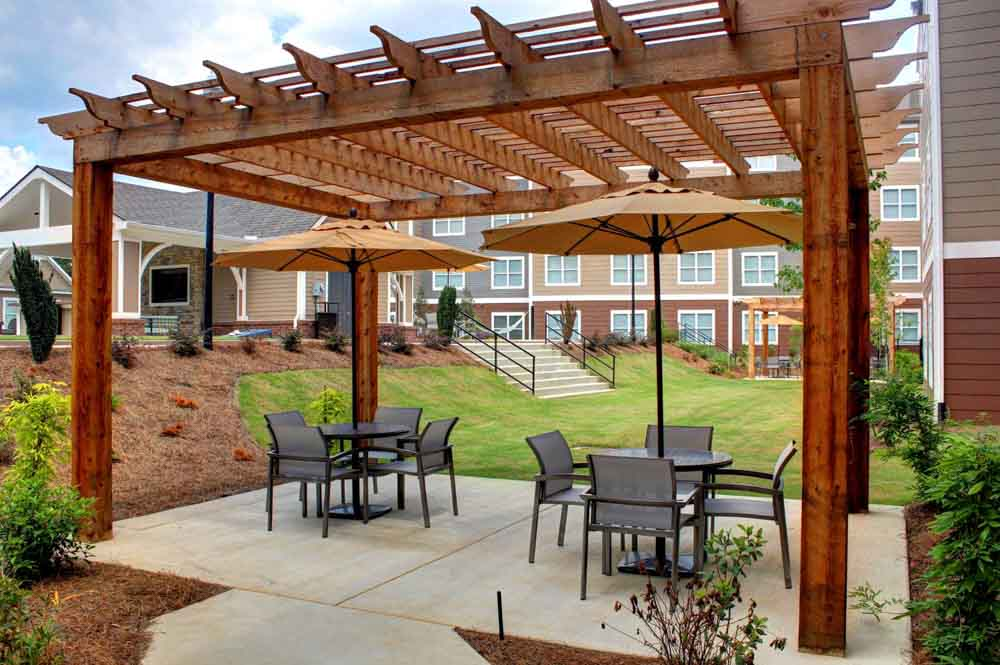 Haven12-Starkville-MS-Outdoor-Courtyard-Unilodgers