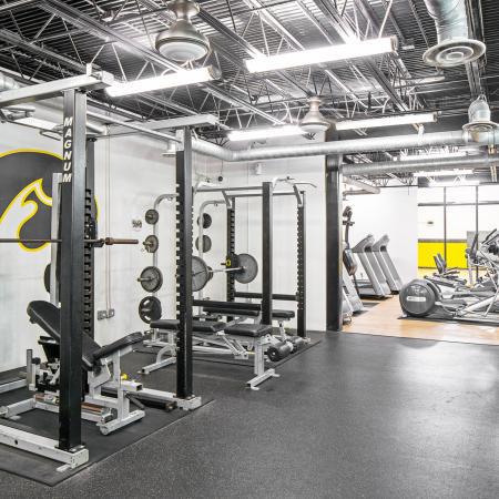 Hawks-Ridge-Iowa-City-IA-Fitness-Center-Unilodgers
