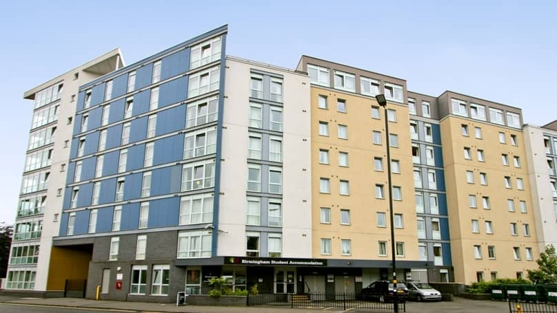 IQ-Broderick-House-Birmingham-Exterior-1-Unilodgers
