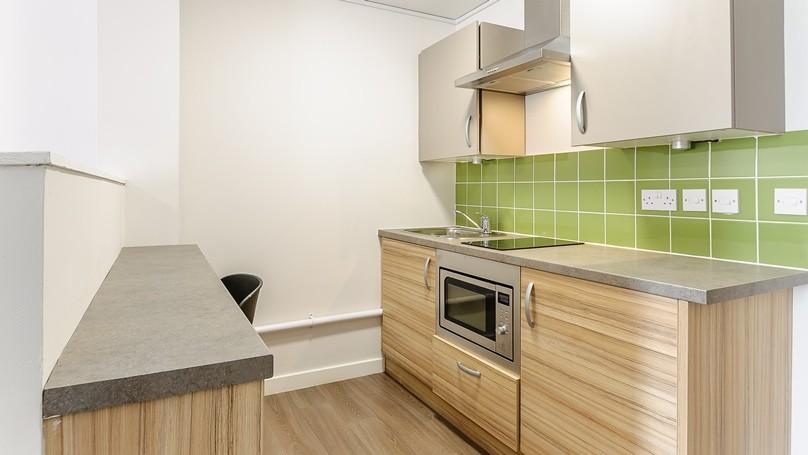 IQ-Broderick-House-Birmingham-Penthouse-Apartment-Bedroom-3-Unilodgers