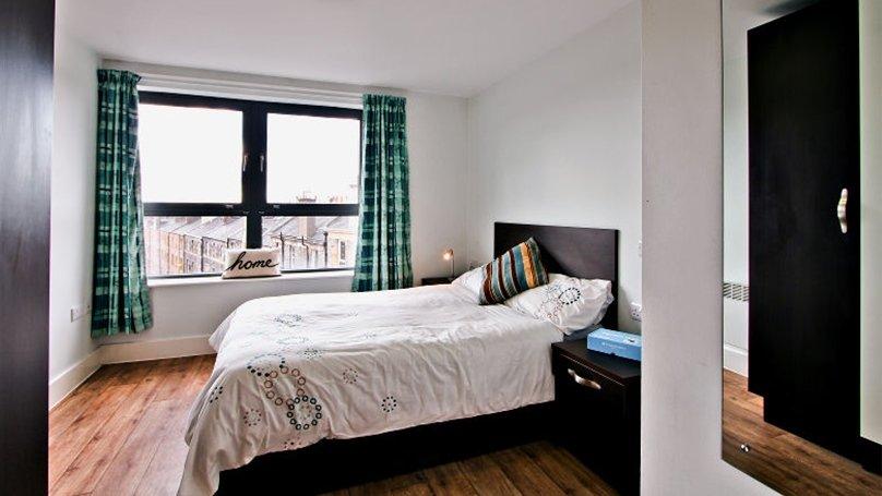 IQ-Fountainbridge-Edinburgh-Platinum-1-Bed-Flat-2-Unilodgers-1496130630