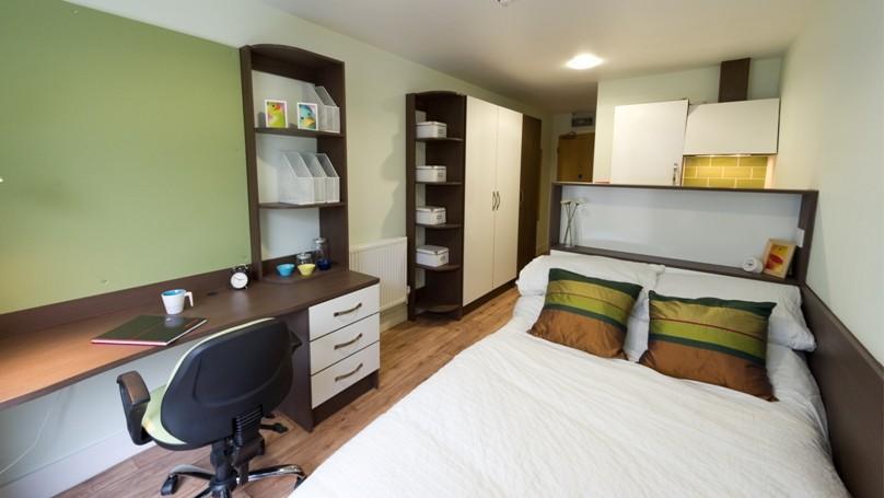 IQ-Hoxton-London-Bedroom-3-Unilodgers