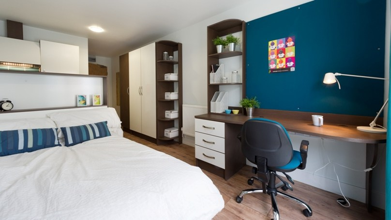 IQ-Hoxton-London-Bedroom-2-Unilodgers