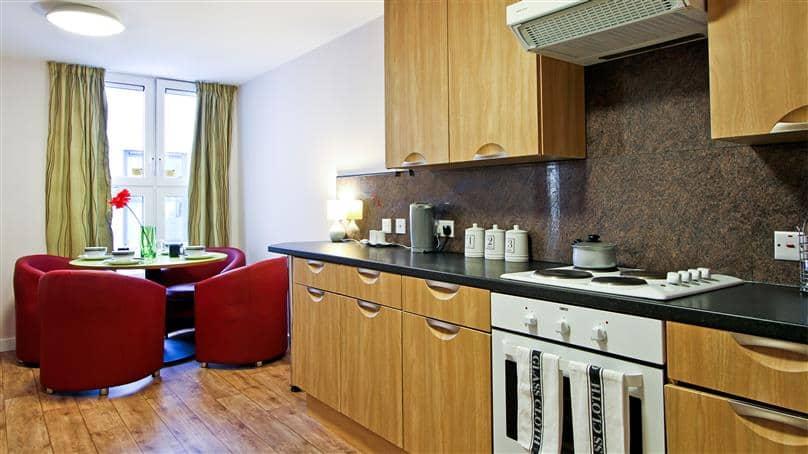 IQ-Steel-Sheffield-Bronze-En-Suite-Shared-Kitchen-Unilodgers