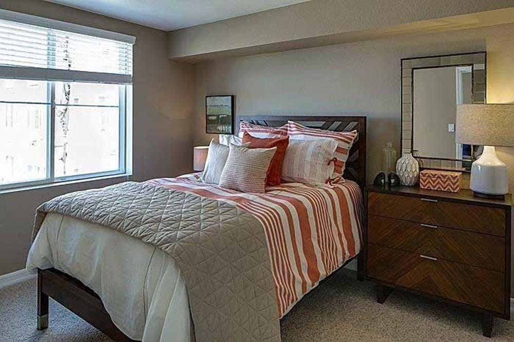 Il-Palazzo-San-Diego-CA-Bedroom-With-Wardrobe-Unilodgers