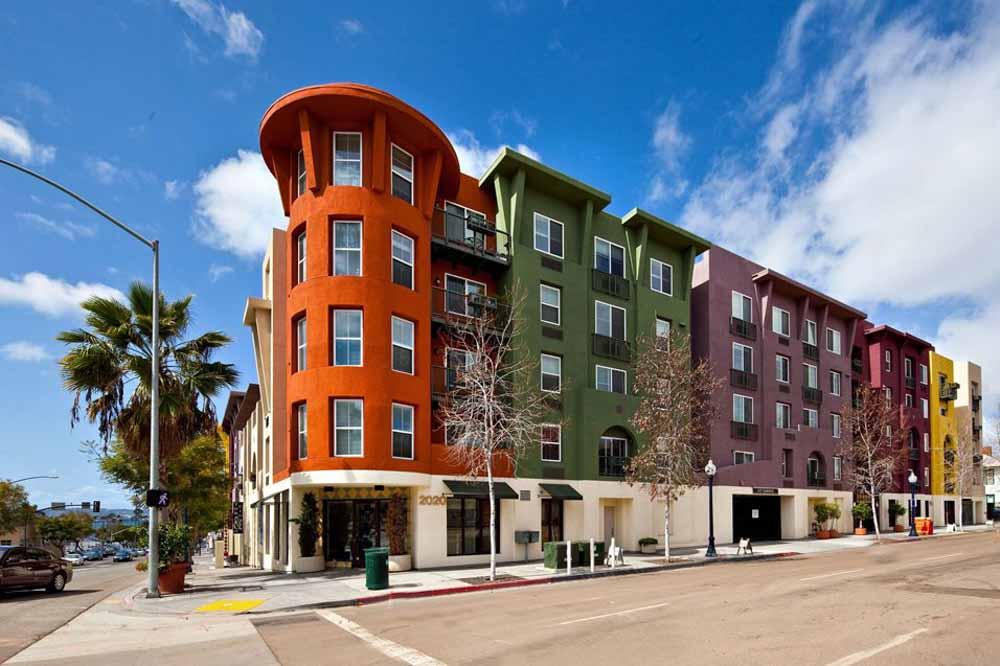 Il-Palazzo-San-Diego-CA-Exterior-Unilodgers