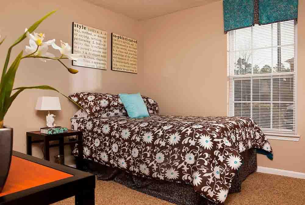Indigo-At-110-Myrtle-Beach-SC-Bedroom-Unilodgers