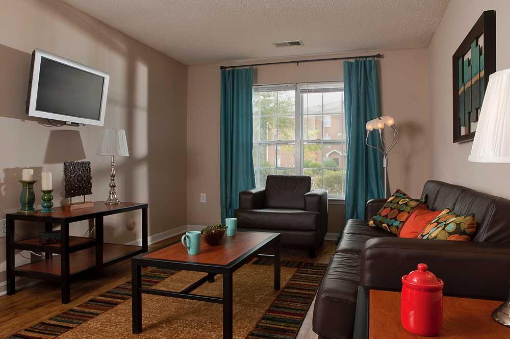 Indigo-At-110-Myrtle-Beach-SC-Living-Room-Unilodgers