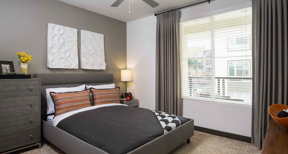 Jefferson-Platinum-Triangle-Anaheim-CA-Bedroom-Unilodgers