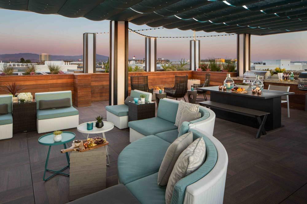 Jefferson-Platinum-Triangle-Anaheim-CA-Roof-Top-Living-Area-Unilodgers