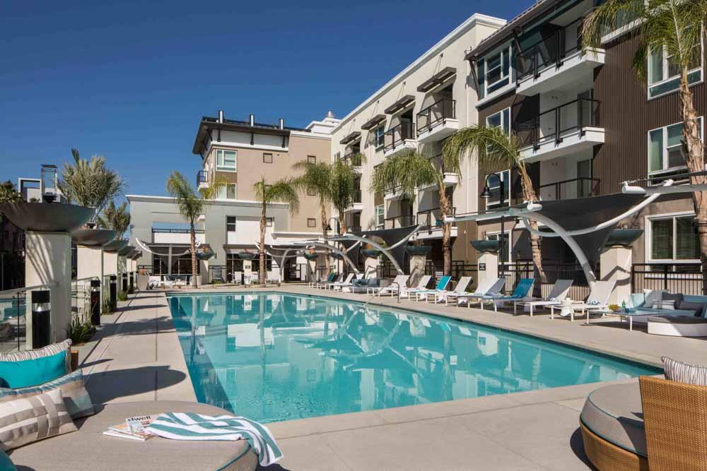 Jefferson-Platinum-Triangle-Anaheim-CA-Swimming-Pool-Unilodgers