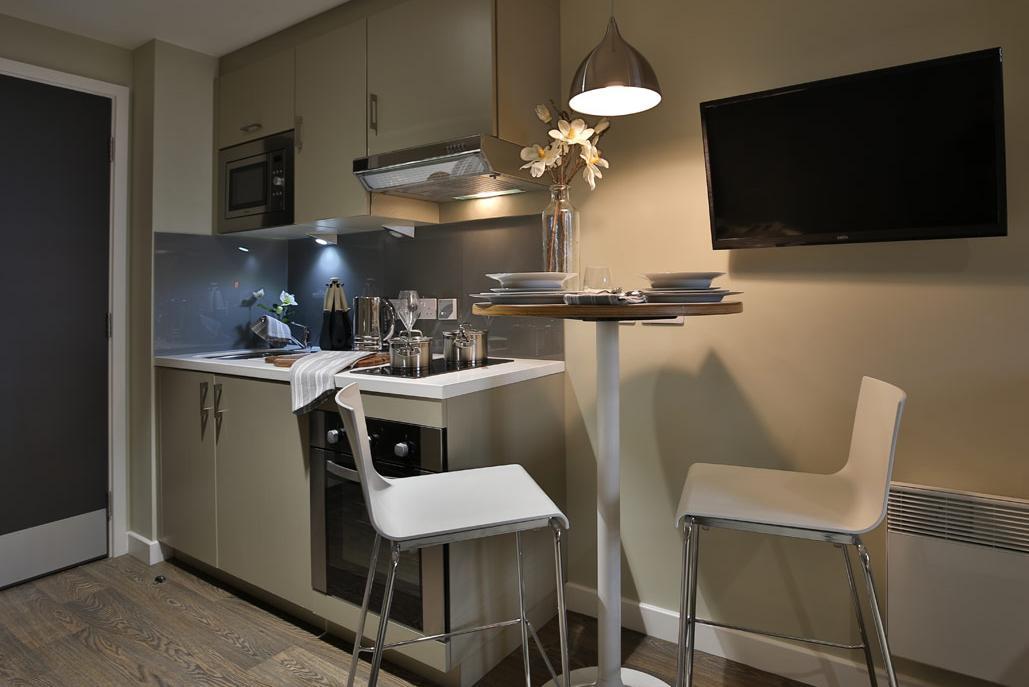 Jesmond-Apartments-Newcastle-Studio-kitchen-Unilodgers
