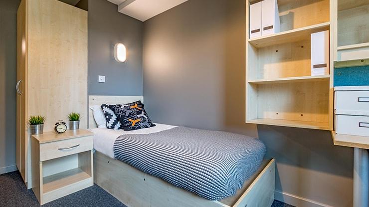 Kincardine-Court-Manchester-Classic-Ensuite-Bedroom-1-Unilodgers